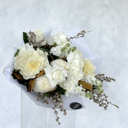 White Heaven (Classic Bouquet)